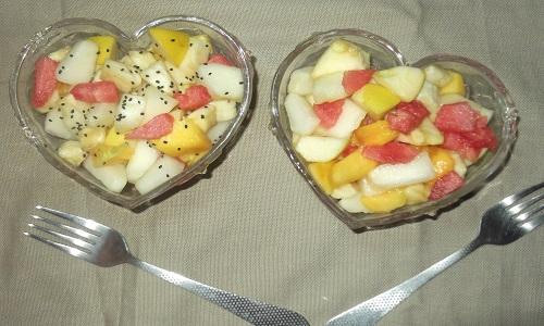 Healthy crunchy fruit salad